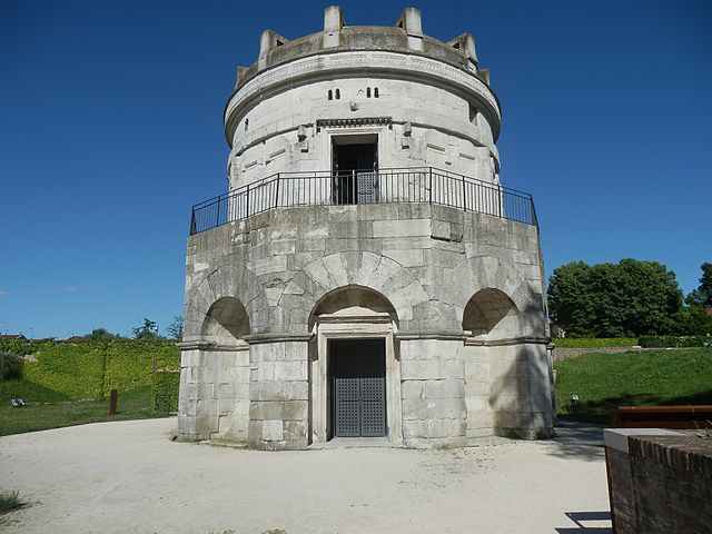 640px-Mausoleum_of_Theoderic