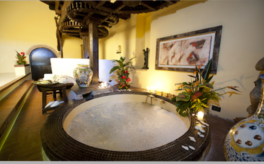 Hotel relais Chateaux Il Bottaccio in Tuscany: Royal Suite
