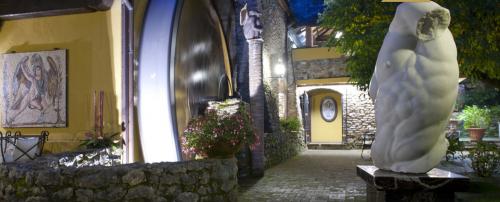 hotel relais chateaux il bottaccio, 5 star hotel in Tuscany near forte dei marmi